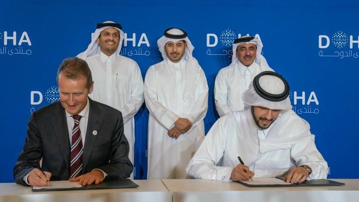 For the first time ever a cutting-edge fleet of self-driving Level 4 electric shuttles will usher in a new era of urban mobility in a capital city in 2022: Earlier today in Doha, representatives of Volkswagen AG and the Qatar Investment Authority (QIA) signed the 'Project Qatar Mobility'.