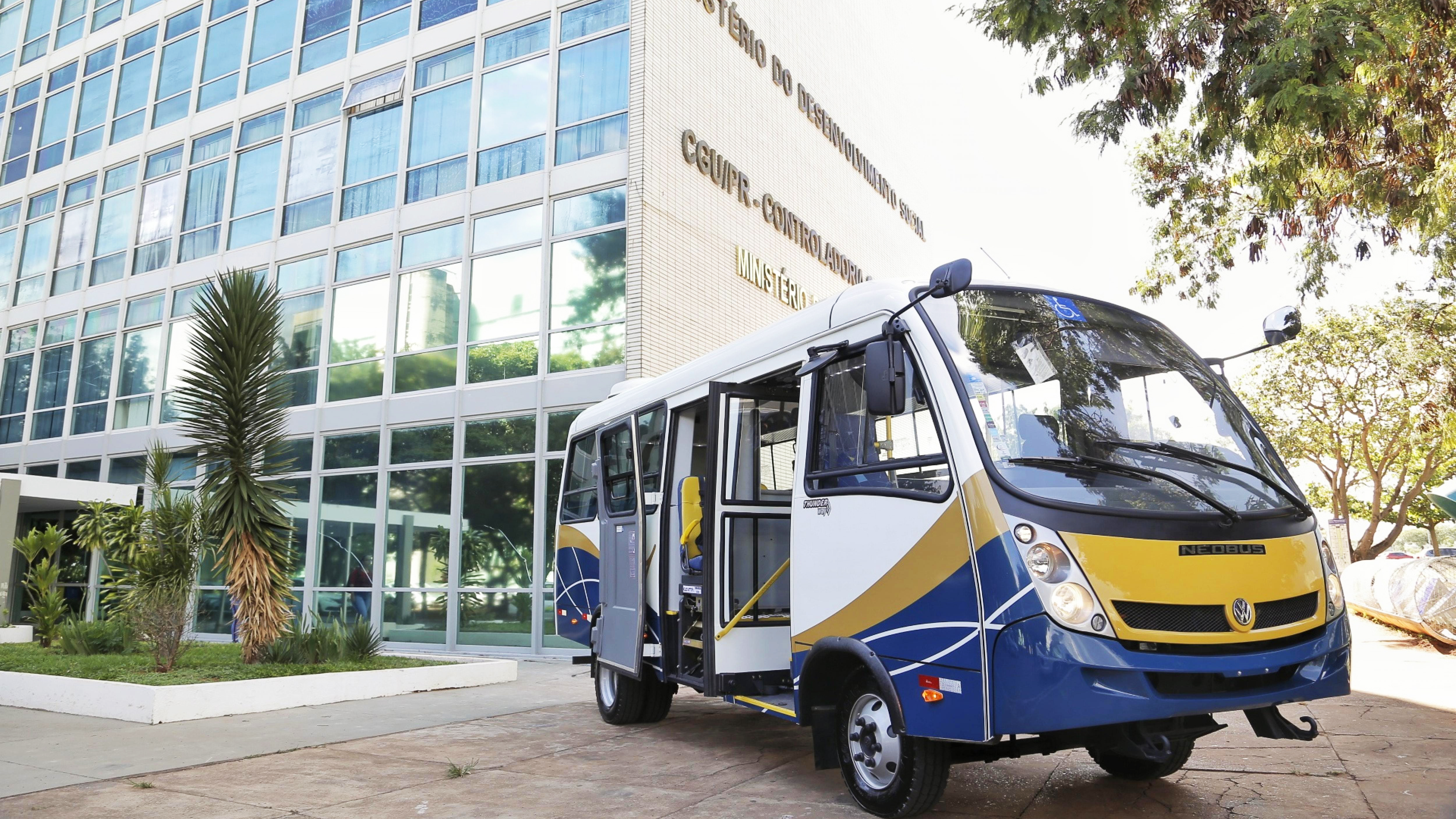 Volkswagen Caminhões e Ônibus will deliver 500 micro-buses to the Brazilian Ministry of Social Development.